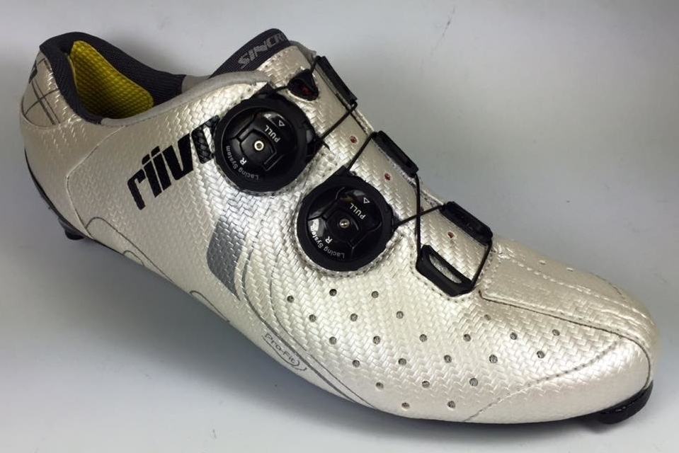Riivo Custom Cycling Shoes: Molded with sole